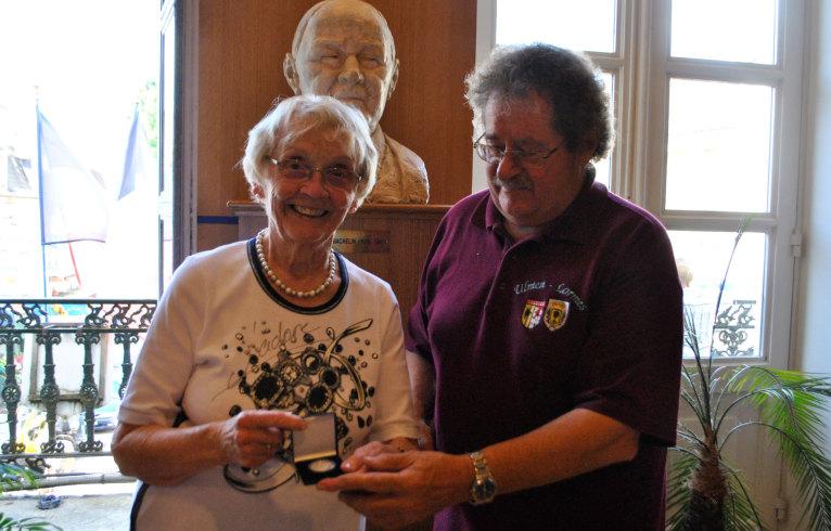 Remise de la médaille de la ville d'Ulmen par Ulla Schmidt