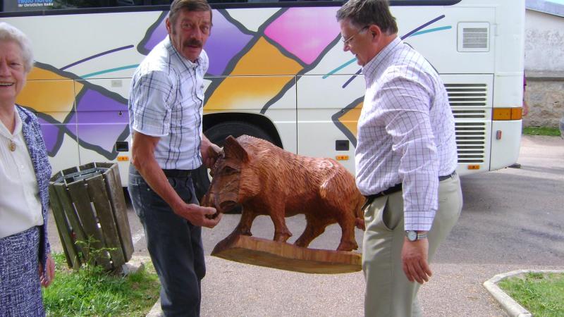 Visites à Lormes en 2009 : pompiers, musique et château de Bazoches